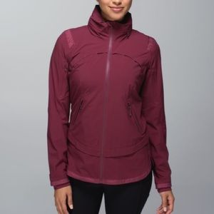 Lululemon Rain Runner Jacket Rust Berry Size 4